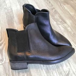 Women's chelsea boots made of genuine leather. 40 p.