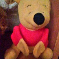 М'яка іграшка - Вінні Пух, лапки на магнітах