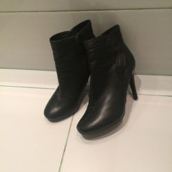 ОтThe ankle boots of Carlo Pazoluni. Size 36.