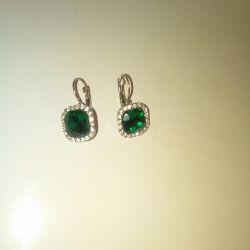 Earrings for women (costume jewelry)