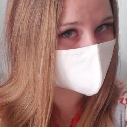 Yeniden kullanılabilir beyaz tıbbi maske
