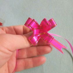 Bows for gift wrapping
