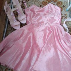 Φόρεμα + σανδάλια