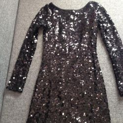 Bir paketin parlak elbise