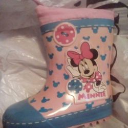 I will sell rubber boots solution 23