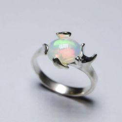 Doğal opal ile gümüş yüzük