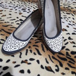 Shoes in excellent condition, go to 38.5 size
