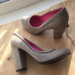 Pantofi noi, suede, piele, p37 Italia.