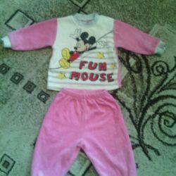 mickey mouse ile takım elbise