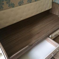 Half-crowbar bed