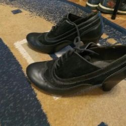 Μέγεθος παπουτσιών 36