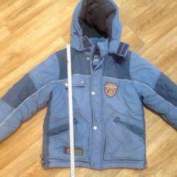 6-8 yıl bir erkek için kış ceket.