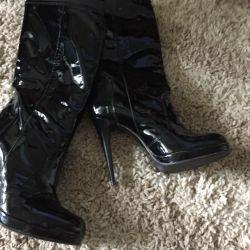 Pantofi de cizme noi, din piele p 37 Italia.