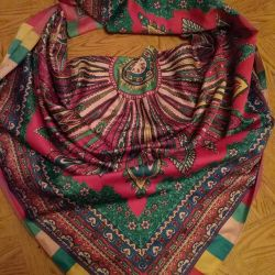 Scarf 20% hat and scarves