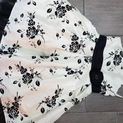 Dress for a girl of 6-7 years