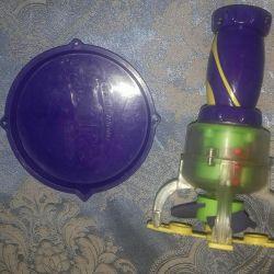 Gazillion soap bubble machine