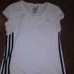 Adidas T-shirt, shortyFinn Flare.