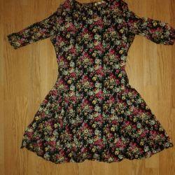 Платье с цветами весеннее повседневное