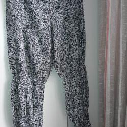 Pantaloni pentru femei pe benzi elastice