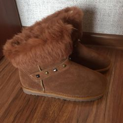 New winter boots Uggy