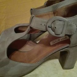 Sandals, p.40-41, leather