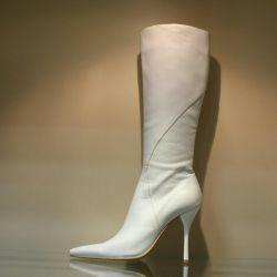 120. Autumn boots p.39 leather