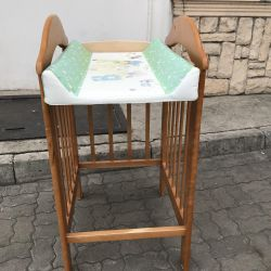 Пеленальный столик