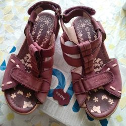 Sandals for the girl F. Kapika 32 rr