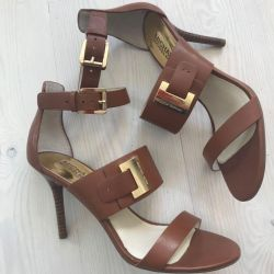 Sandals made of leather