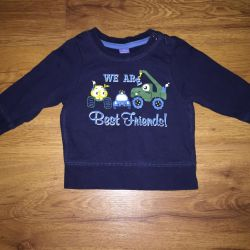 Sweater (size 4-6 months.)