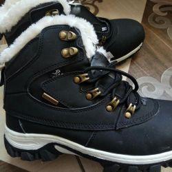 Νέες χειμερινές μπότες μεγέθους 36,38,39,40