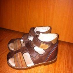 Летние ботинки рр 25