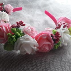 el yapımı çiçek ile kafa bandı çelenk