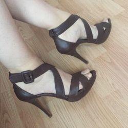 Босоножки туфли на высоком каблуке