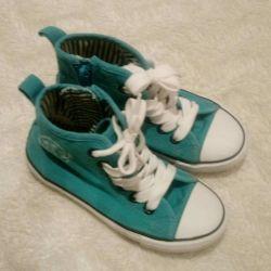 Υψηλά πάνινα παπούτσια