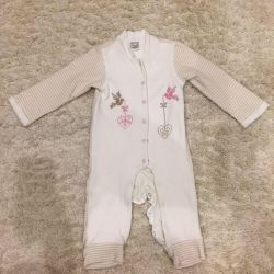 Warm jumpsuit for a girl