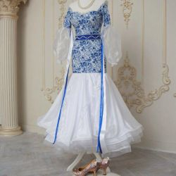 Ball gown standard / possible hire