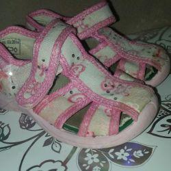 Текстильные туфельки на девочку