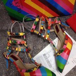 Νέα παπούτσια Valentino. Μεγέθη 35,36,38