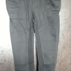 Παντελόνια μεγέθους Μ