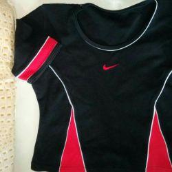 Nike noul top. M ?