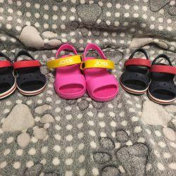 Sandale Crocs și Joss