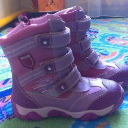 Νέες ζεστές μπότες παραμύθι
