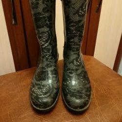 👢 Γυναικεία μπότες από καουτσούκ