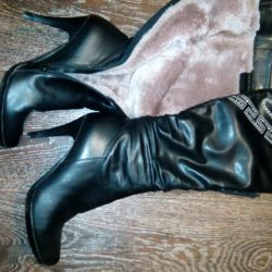 Boots. 3 pairs for 900!
