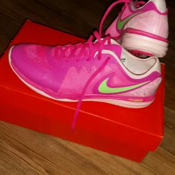 New bright sneakers from nike original