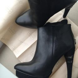 Leather ankle boots 37-37,5 rr