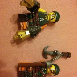 100 ruble Lego minifigures