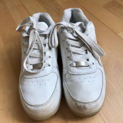 Adidasi din argint, unisex, dimensiune 37