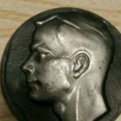 Table medal Y. Gagarin